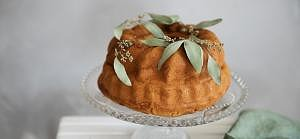Golden bundt cake
